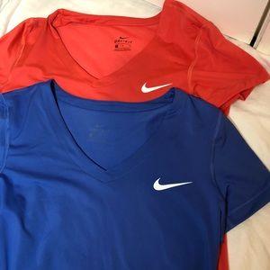 Bundle of 2 Nike training tops v-neck blue/coral